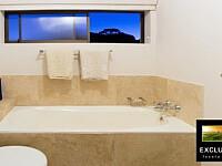Stirrup Lane_2nd Bathroom