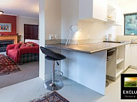 Stirrup Lane_Guest Apartment Kitchen Lounge