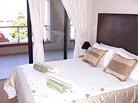 Alfred Apartment, De Waterkant - bedroom