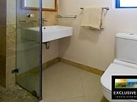 Stirrup Lane_Guest Apartment Bathroom